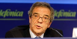 Alierta, chairman of Spain's telecoms giant Telefonica, speaks at news conference in Madrid